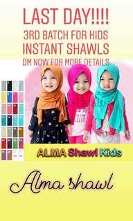 Alma kids instant shawl