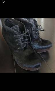 Pony fur booties 7.5