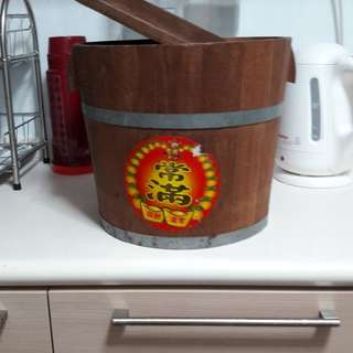 Anquite wooden rice container 30 cm diameter and 29 cm high    25 year of age Pass down from grandmother Beautiful condition
