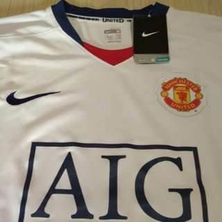 BNWT BRAND NEW AUTHENTIC ORIGINAL Manchester United Jersey (Size M)