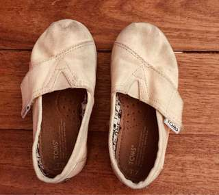 Tom's shoes for kids