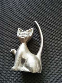 COLLECTIBLE. CAT