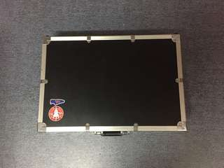 flight case + pedalboard for sale