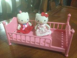 Hello Kitty doll witb bed