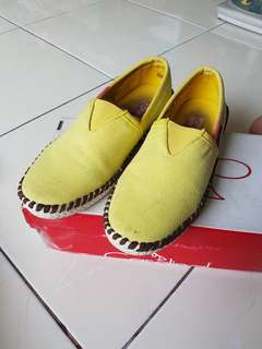 Unisex Yellow Cardinal Shoes