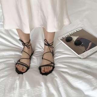 兩色✔️交叉平底綁帶涼鞋