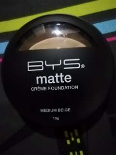 Bys matte creme foundation