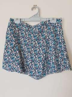 Cute Floral wavy shorts
