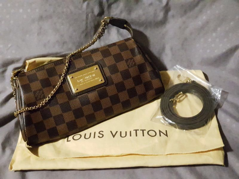 c447307746c3 100% Authentic LV (Louis Vuitton) Damier ebene Eva clutch