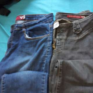 Get 2 for 500 only! Guess jeans (blue size 34 & black size 28)