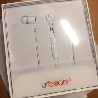 urBeats3 Earphones with 3.5mm Plug - White /BRAND NEW