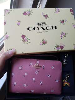 Coach mother's day limited edition gift set wristlet🌹