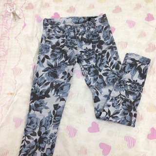 [reduced price] Floral Skinny Jeans Size XS-S