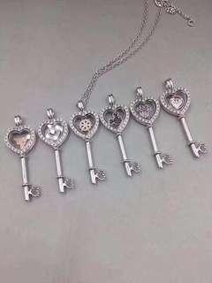 Pandora heart lock necklace charm