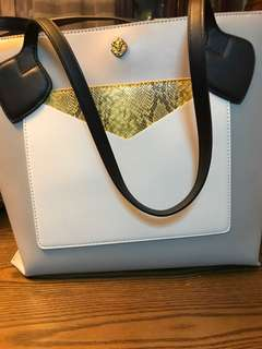 ANNE KLEIN TOTE BAG IN GRAY