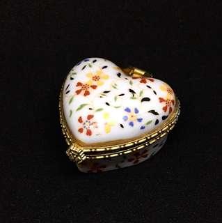 Vintage Mini Heart Shaped Ceramic Case
