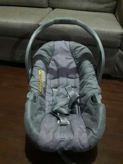 Graco Infant baby carrier