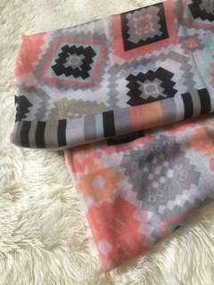 Pashmina/shawl viscose DEFFECT pentul sedikit