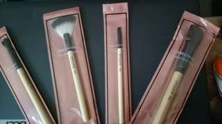 Brush make up 1set isi 10