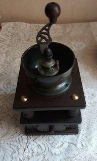 日本木制手動咖啡豆磨