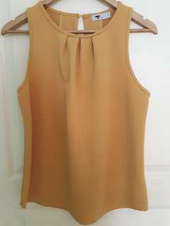 M size-mustard yellow sleeveless top