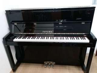 Toyama 鋼琴