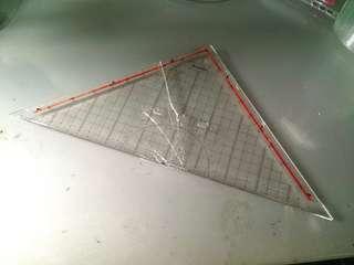Penggaris mor rotring segitiga