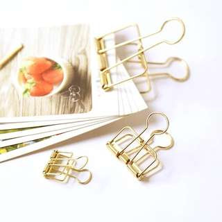 [S1] Elegant Minimalistic Gold Paper Clips