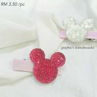 Minnie hair clip