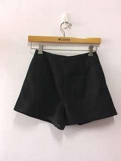 高腰黑色西裝短褲