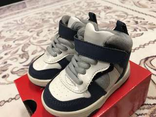 H&M Kids Shoes Size 18-19