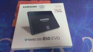 Free Postage-SSD SAMSUNG EVO 850 250GB