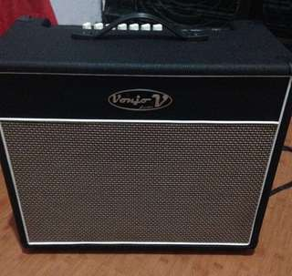 Guitar Amplifier with free Guitar stand