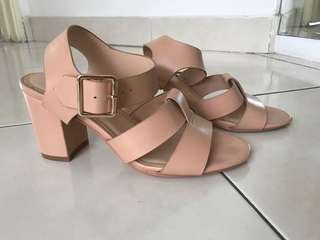 Pre loved beige zalora strappy shoes