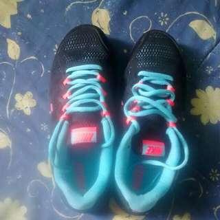 Nike Dual Fusion Ladies