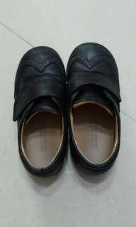 Dr.  Kong 黑色返學皮鞋 shoes