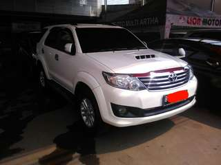 Fortuner g vnt turbo 2014 at putih