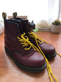 Doc martens cherry red