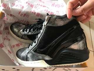 Sepatu sport fashion