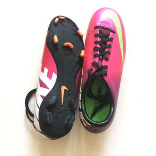 BRAND NEW NIKE MERCURIAL FOOTBALL BOOTS