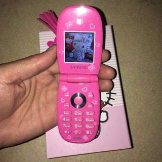 Hello kitty mini flip phone