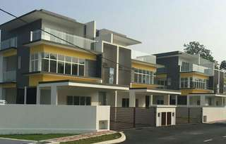 3 storey Semi detached house