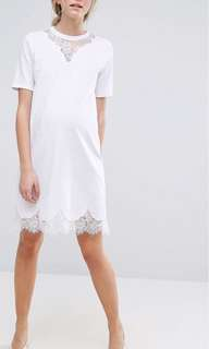Maternity t-shirt dress with lace