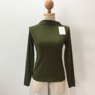 🆕Brand New High Neck Long Sleeve Inner Army Green Cotton Top