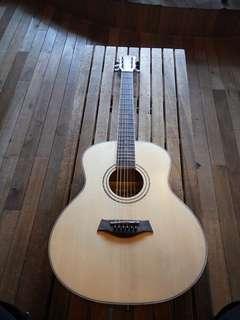 A&K traveller acoustic guitar (solid top 36 inc)