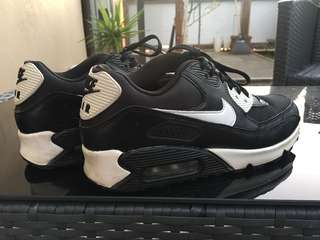 Size US 7 Nike Airmax