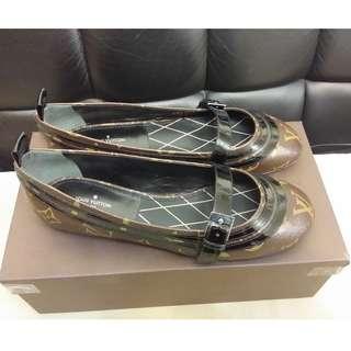全新 lv 女裝經典花 平底圓頭鞋 Size 37.5 (EUR) ((100% real and new))