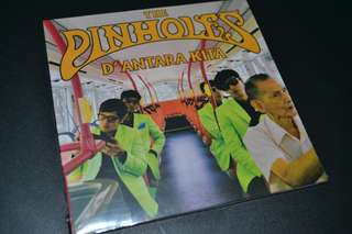 "The Pinholes ""di antara kita"""