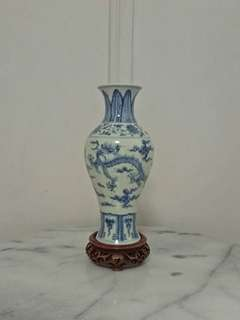 Qing Period Porcelain Vase With Underglaze Blue Painting Pair Of Dragon Height 24cm perfect condition + wood stand