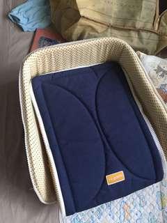 Baby portable cot
